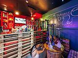 Чих Пых, Hookah bar & shop